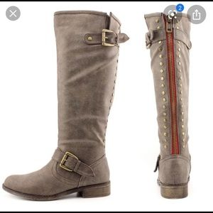 Madden Girl Boots Grey Size 7